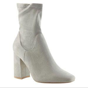 Cape Robbin Betisa Block Heel Boot Size 8.5